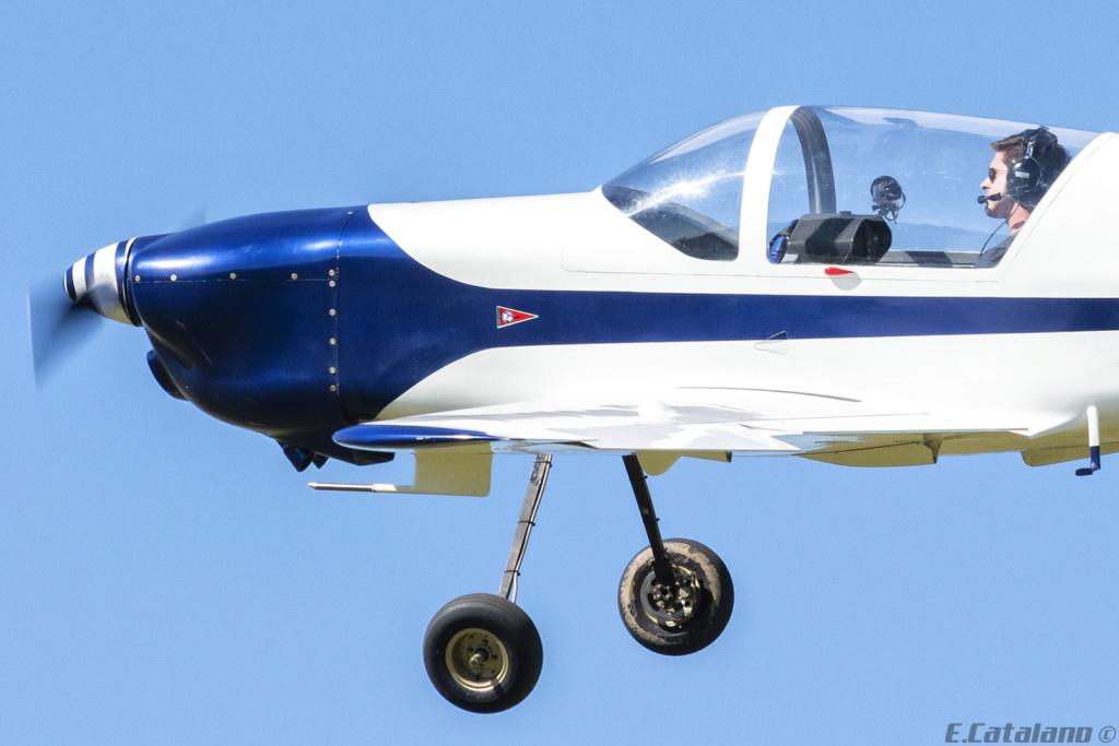 V-King Kingfisher KF2200 -Exclusivo Defensa Nacional y del Mundo- - Página 3 Dsc_0410