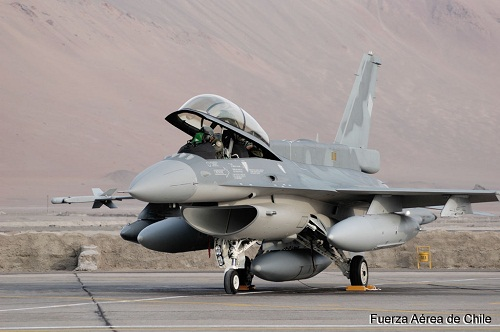 Chile tiene luz verde para modernizar sus F-16. F-16d_10
