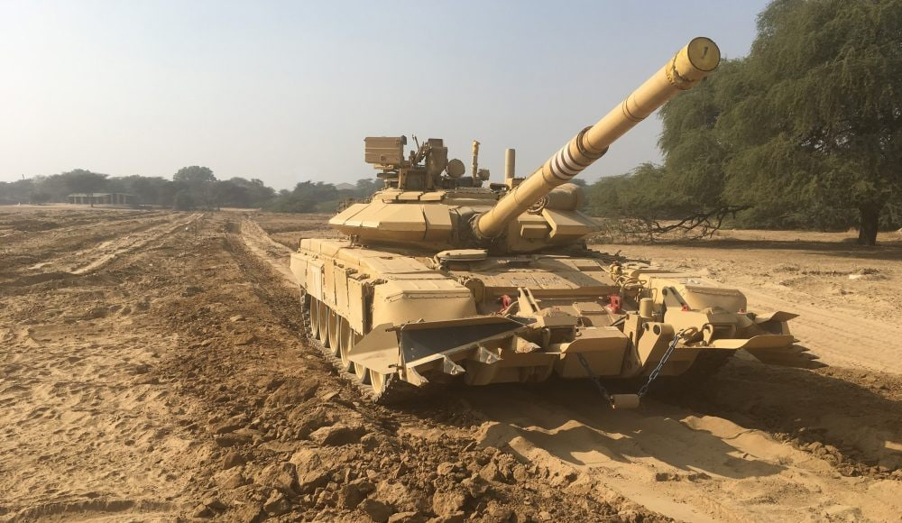El tanque ruso T-90 - Página 2 Img_2420