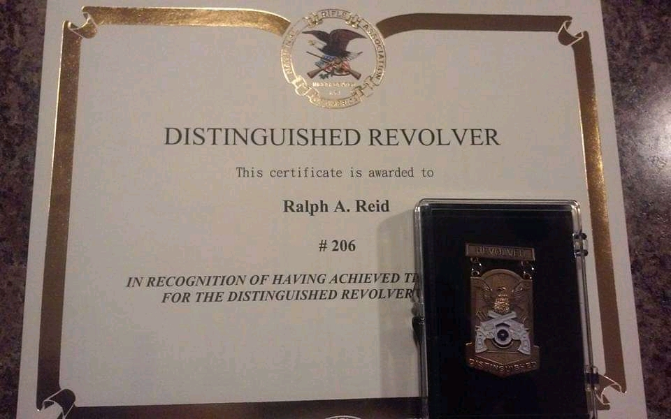 Distinguished revolver  Fb_img12