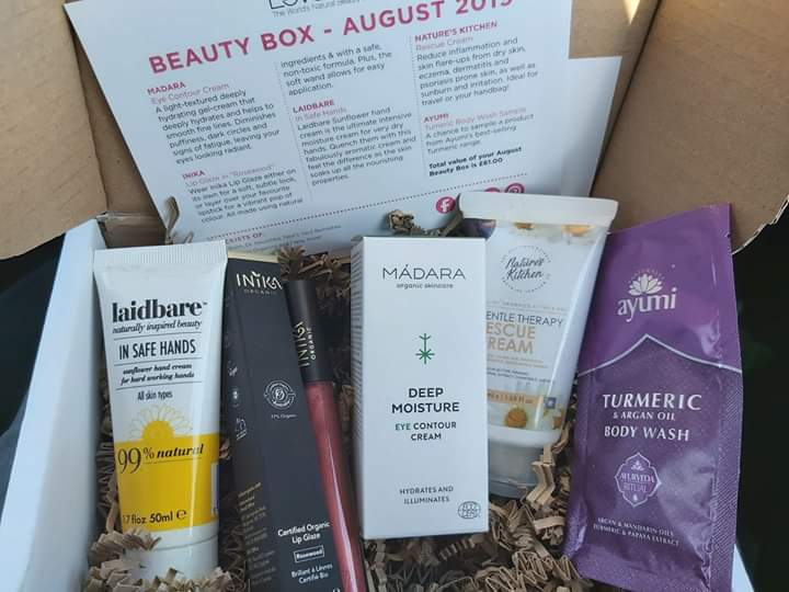 LoveLula Beauty box (Natural Beauty) - Page 23 Facebo13