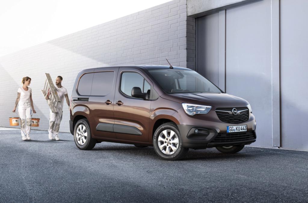 2018 - [Peugeot/Citroën/Opel] Rifter/Berlingo/Combo [K9] - Page 38 Opel-c10