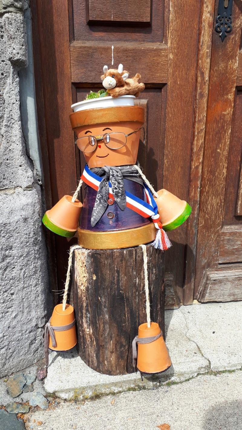 """""""Ex-pots"""" dans le bourg de Marchastel !  20180810"""