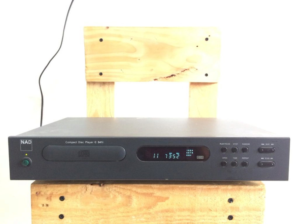 [SOLD] NAD C541i Compact Disc Player  Img-2010