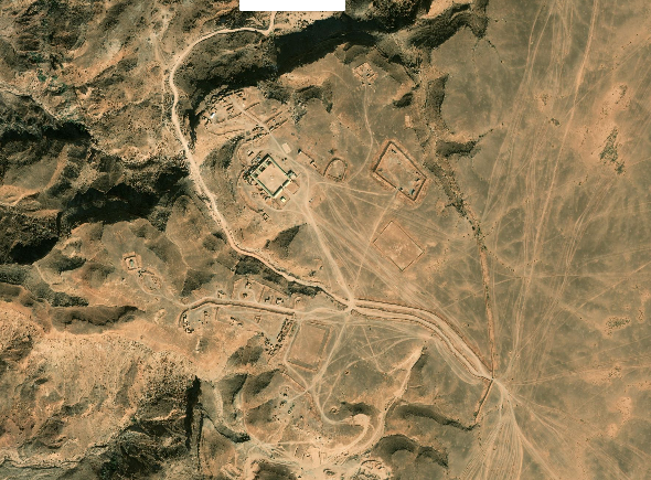Bases et infrastructures Militaires des FAR / Moroccan Military Bases - Page 5 00110