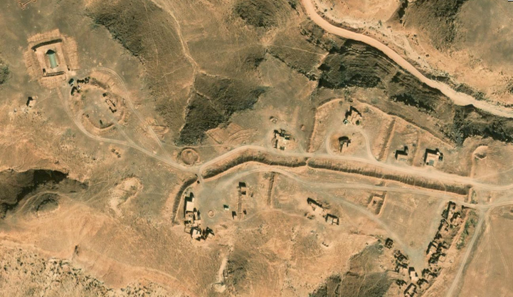 Bases et infrastructures Militaires des FAR / Moroccan Military Bases - Page 5 00310