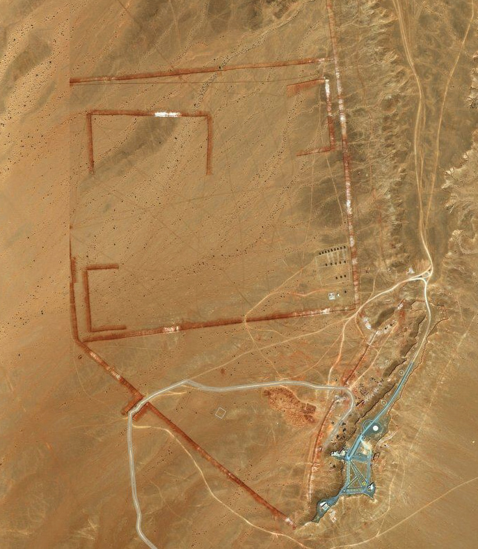 Bases et infrastructures Militaires des FAR / Moroccan Military Bases - Page 5 6_brim11