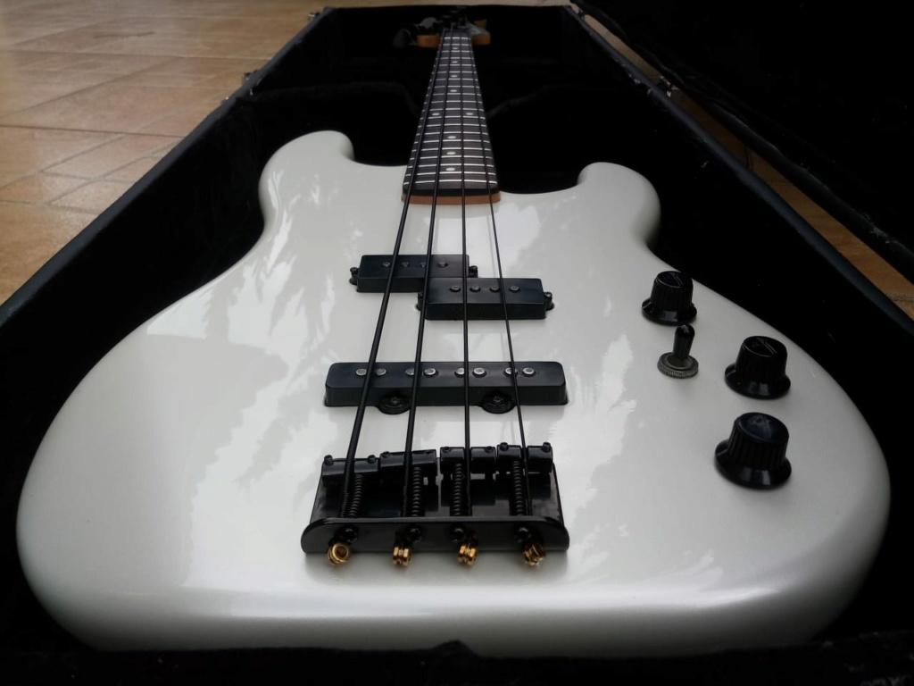 Seu primeiro contato com um baixo Fender Whatsa12