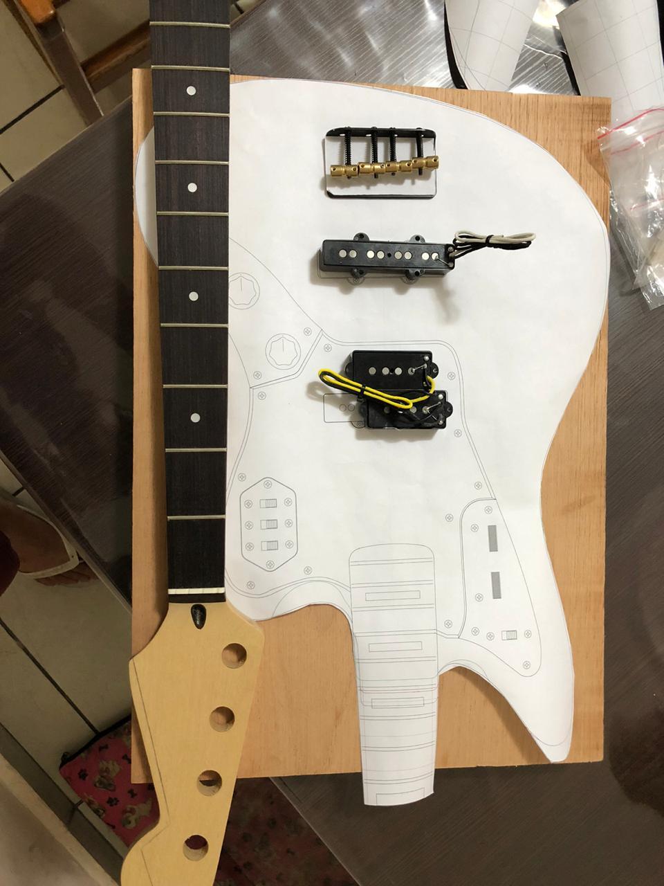 Construindo um Jaguar Bass - Projeto amador e por amor! Da3a2410