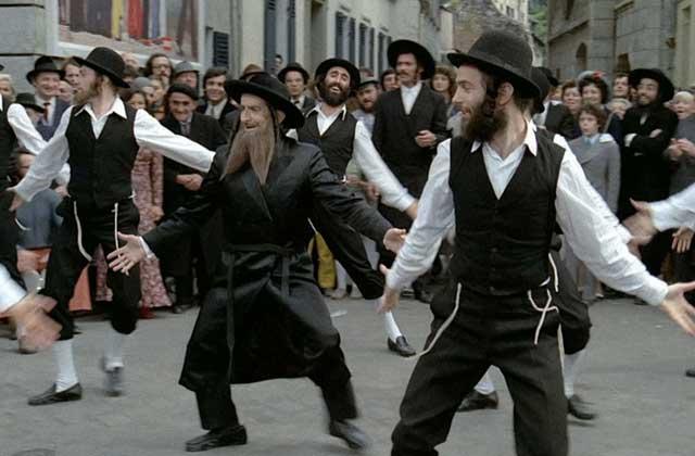 [Jeu] Association d'images - Page 4 Rabbi-10
