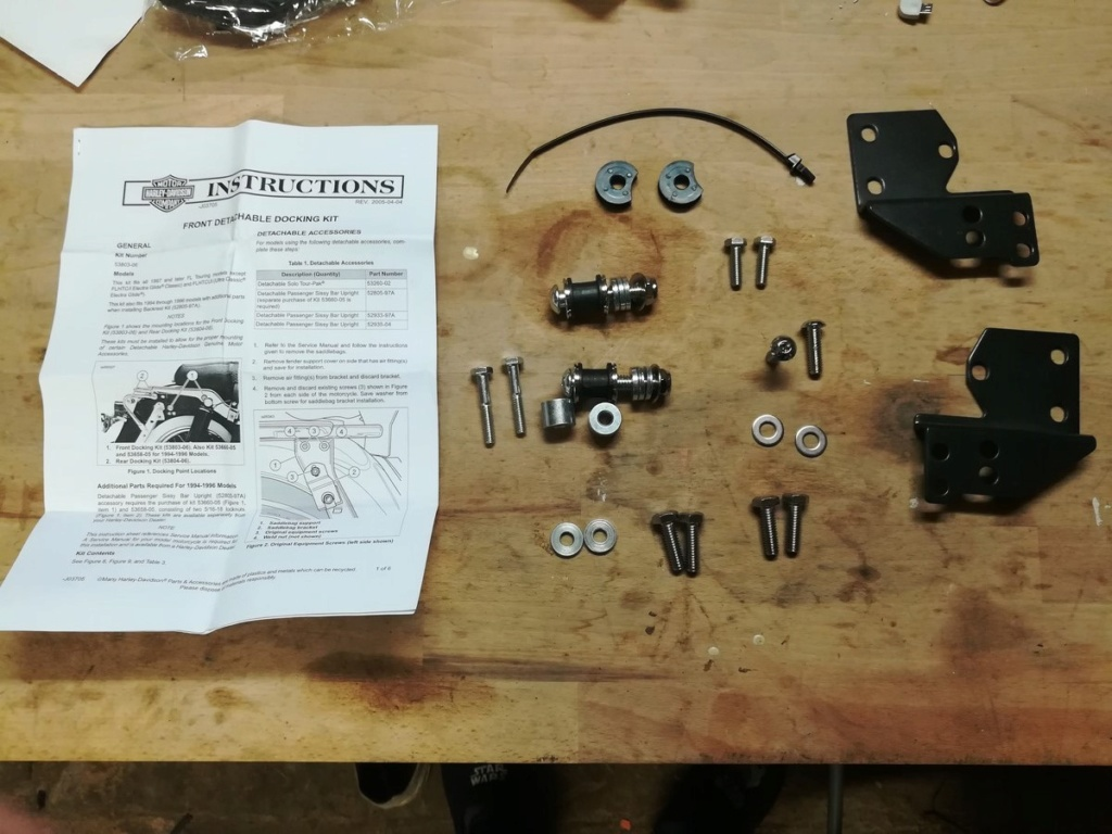 [TUTO] Montage kit sissy bar amovible sur Road King 2008  Img_2056