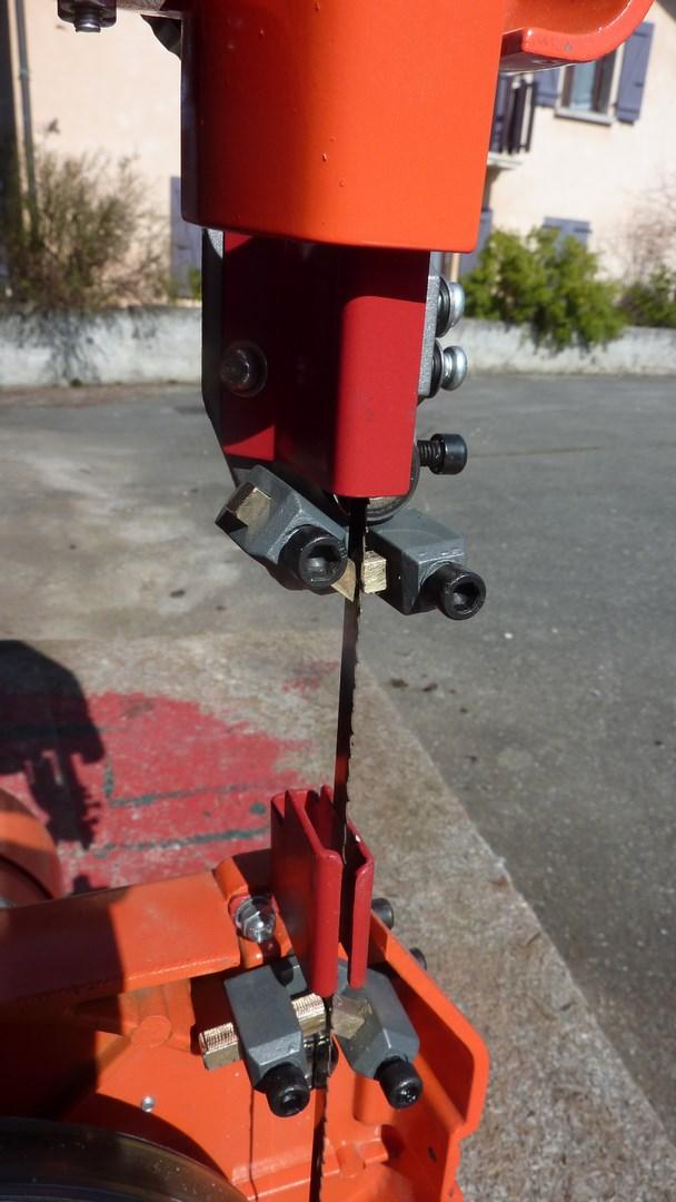 Modification guide lame sur petite scie a ruban égyptienne  P1120616