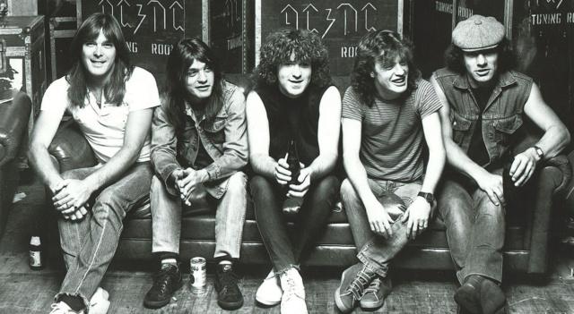 AC-DC, l'album che salvò la Band!! Ac_dc11