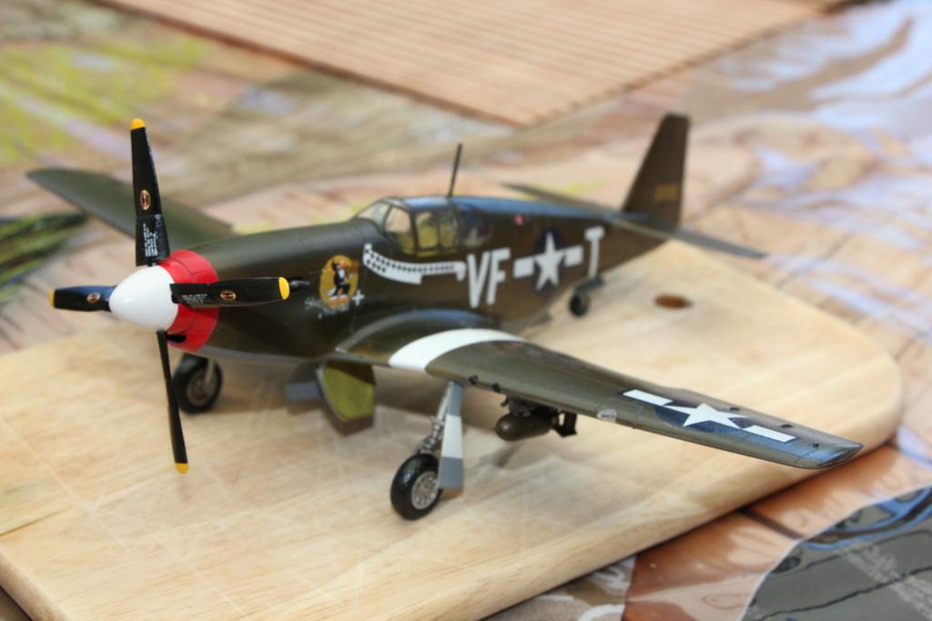 P 51 B/C 1/72 HOBBY 2000 et ACADEMY  Img_9689