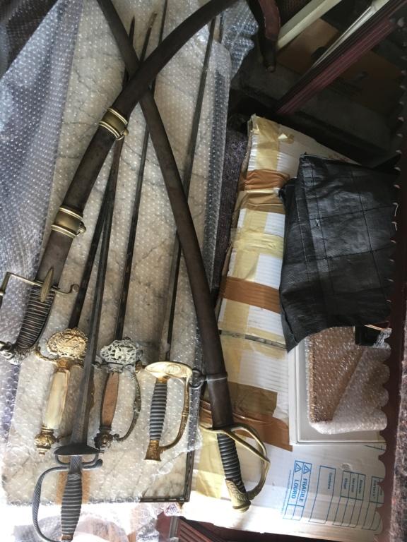 1 épée avec inscription à identifier Img_5431