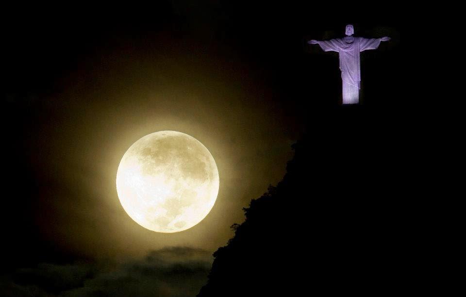 As 9 Melhores Fotos da Super Lua Cheia Entre_92