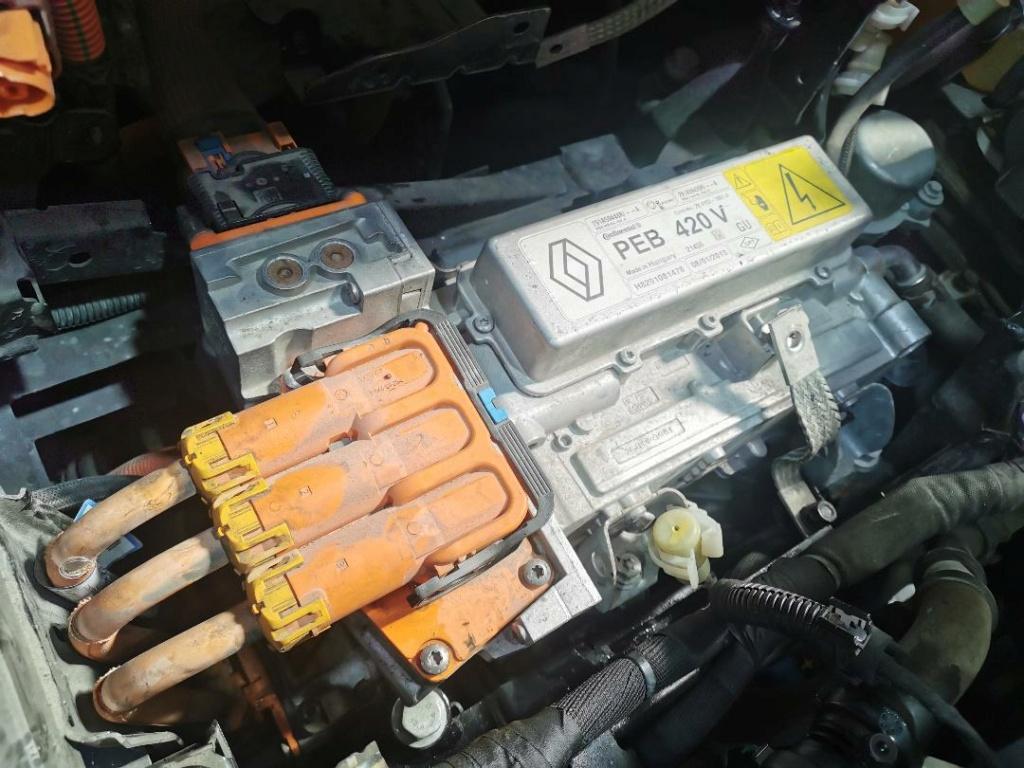 Encore une : problème moteur ou onduleur, modèle 2013 210