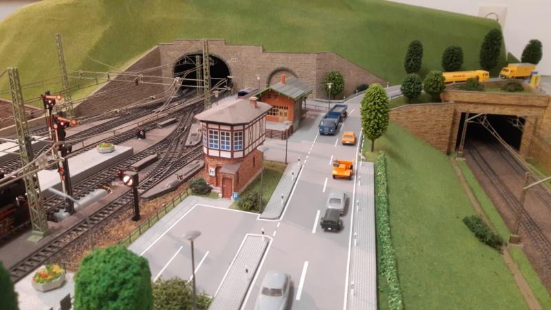 Märklin Analogbahn trifft Karton 20211035