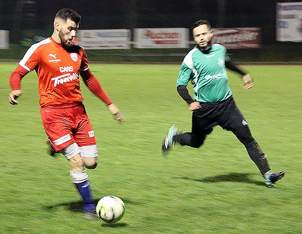 MARVEJOLS / FC Pont St Esprit Esp0410