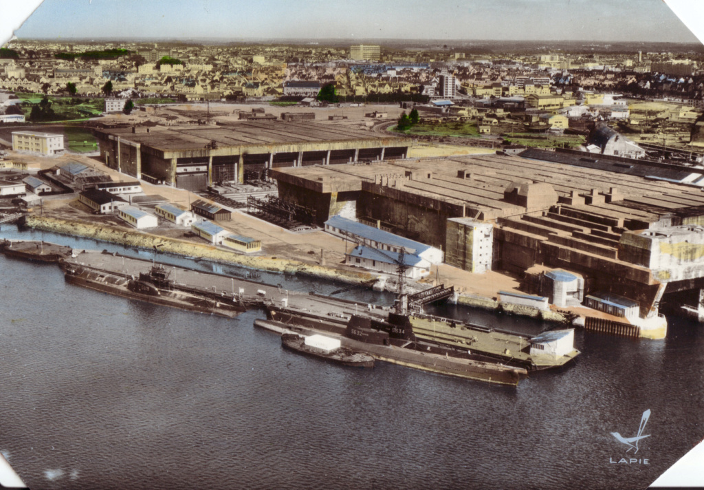 [Les ports militaires de métropole] Port de LORIENT - Page 8 D_06411