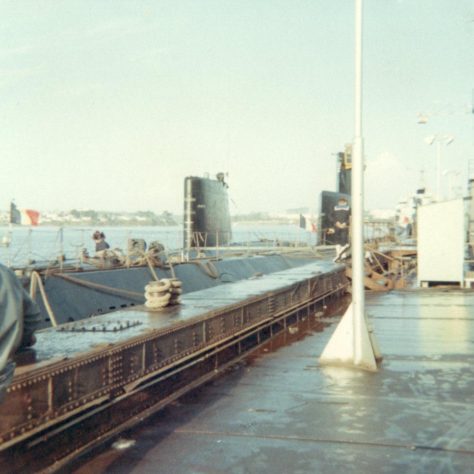 [Les ports militaires de métropole] Port de LORIENT - Page 7 D_09311