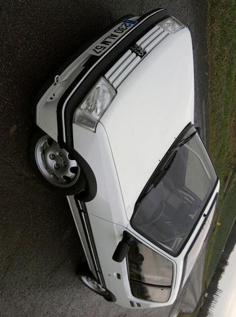 [renaud] 205 GTI 1.9 - blanche-1986-circuit - Page 2 Photo064