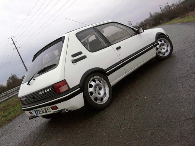 [renaud] 205 GTI 1.9 - blanche-1986-circuit - Page 2 Photo069