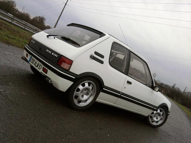 [renaud] 205 GTI 1.9 - blanche-1986-circuit - Page 2 Photo070