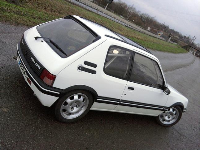 [renaud] 205 GTI 1.9 - blanche-1986-circuit - Page 2 Photo071