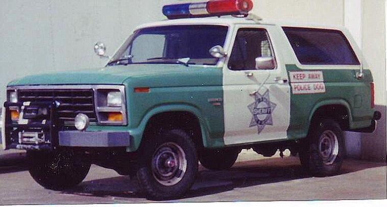 maquette auto police. 9p6col11
