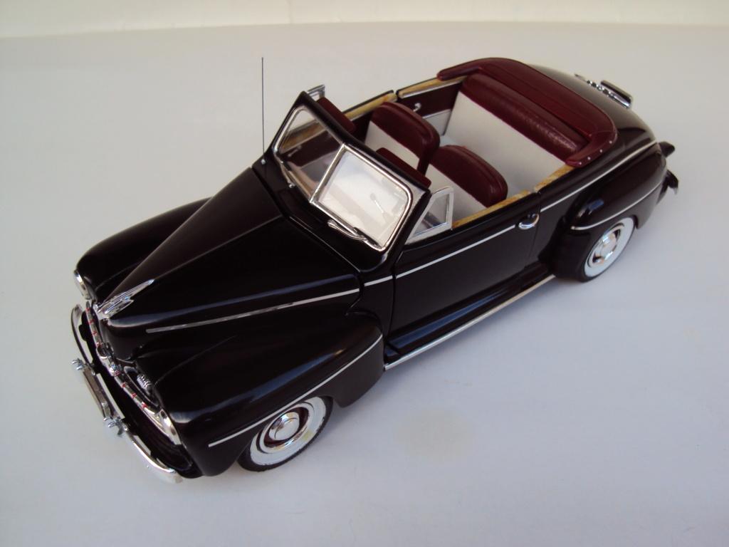 1946 Ford décapotable (Biff Retour vers le futur) Dsc02010