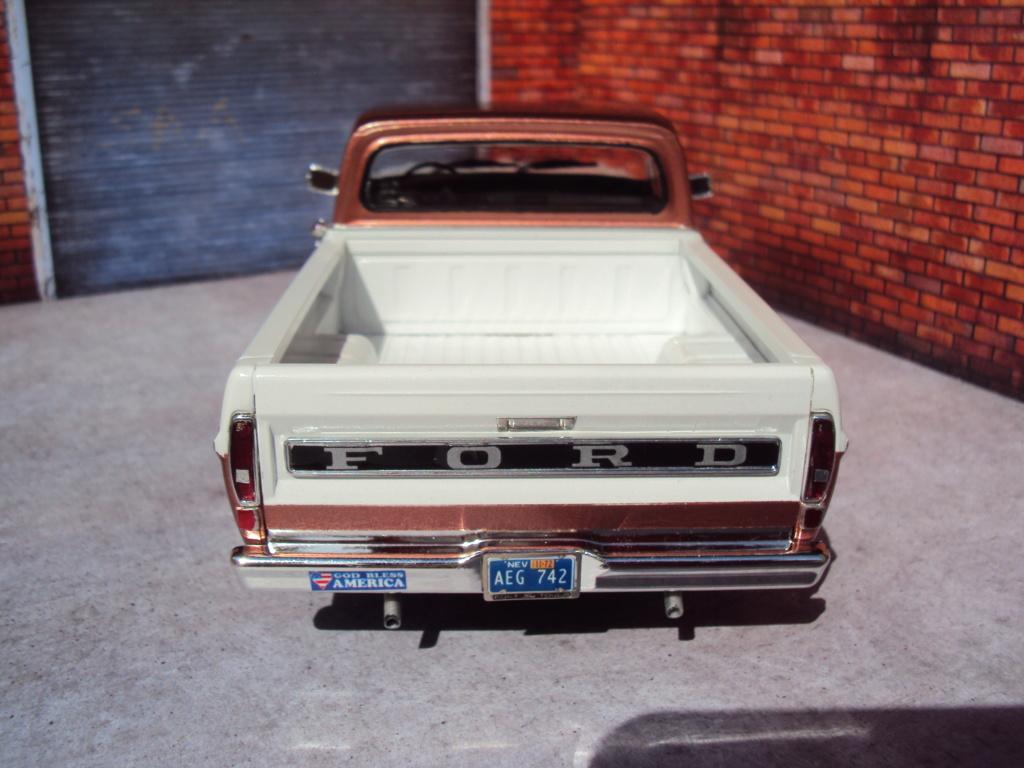 '72 Ford pickup Sport Custom Moebius Dsc04643