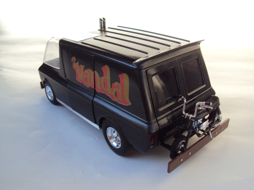 Vandal custom van by Tom Daniel Dsc05219