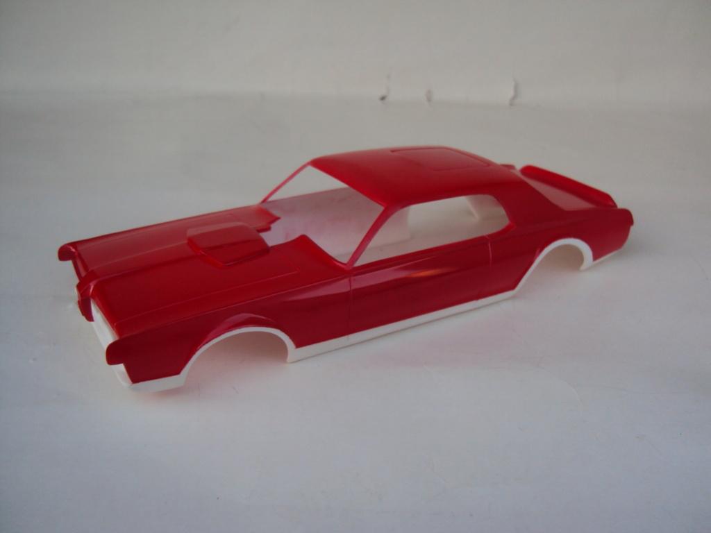 Mercury Cougar 68 funny car - Terminée !!! - Page 4 Dsc05357