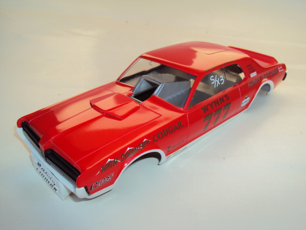 Mercury Cougar 68 funny car - Terminée !!! - Page 8 Dsc05448