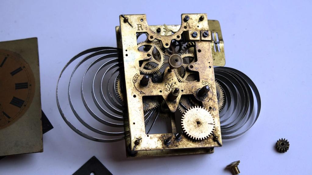 Qui s'intéresse au réveil mécanique...? - tome 2 - Page 7 Japy-210