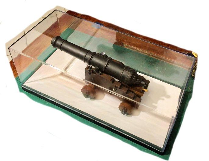 Affût anglais de 9-pounder au 1:10. Système de 1760 d'après J. Robertson en 1775. - Page 14 Img_9316