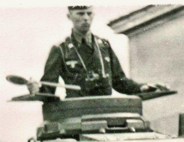 25e RTS : Chasselay 19/20 juin 1940 - Page 4 Pzrgt824