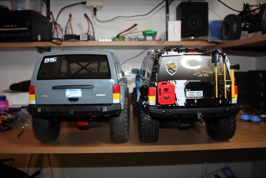 REELY Free Men Jeep Cherokee : réplique ou copie du Scx10 II ? - Page 5 Img_8711