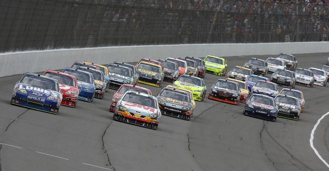 NASCAR- 2010 Arrivée du remplacant de Dodge?? 38862710