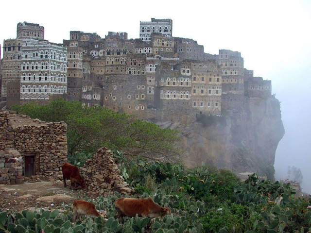 AL HAJJARA, le village  des nuages (Yémen) 05213d10