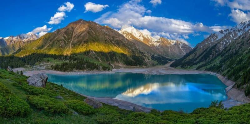 LE GRAND LAC ALMATY (Kazakhstan) Almaty10