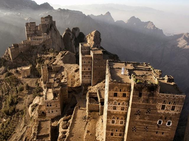 AL HAJJARA, le village  des nuages (Yémen) D003ab10