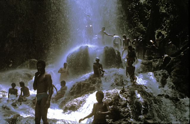 SAUT D'EAU, LES BAINS SACRES (Haïti) Haiti-10