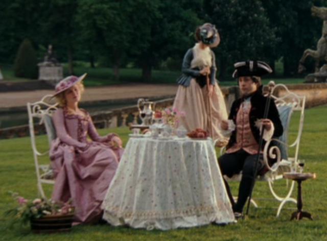 """""""Marie-Antoinette"""", le film de Sofia Coppola - Page 4 Jardin13"""