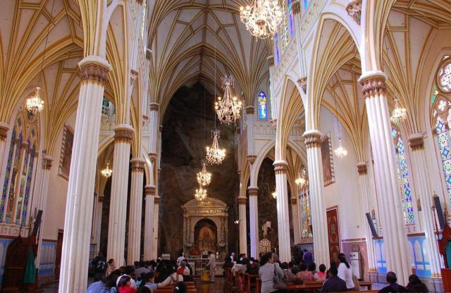 LA CATHEDRALE DE LAS LAJAS (Colombie) Las-la12