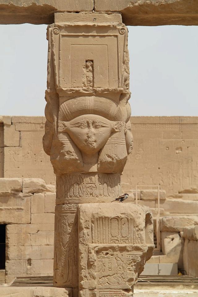 LE SANCTUAIRE D'HATHOR (Egypte) Temple15