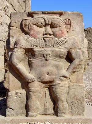 LE SANCTUAIRE D'HATHOR (Egypte) Temple16