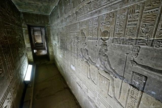 LE SANCTUAIRE D'HATHOR (Egypte) Temple25