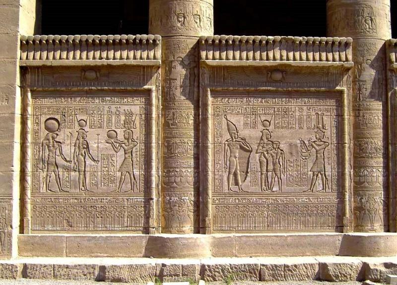 LE SANCTUAIRE D'HATHOR (Egypte) Temple26